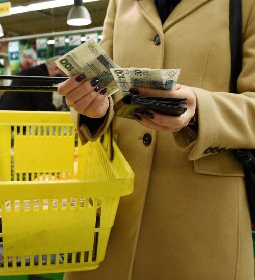 Ekonomiści nie mają dobrych informacji dla Polaków. Ceny w sklepach nadal będą rosły