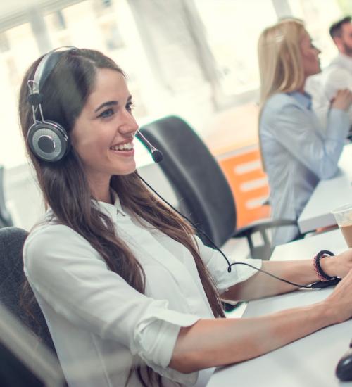 Twoja firma się rozwija i potrzebujesz specjalistów od obsługi klientów? Podpowiemy ci, na co zwrócić uwagę przy ich rekrutacji i jak przekonać, że to właśnie u ciebie chcą pracować.