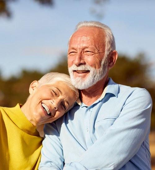 Seniorzy a koronawirus. Jak możemy chronić osoby starsze?