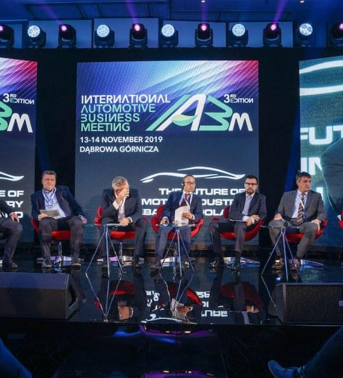 Branża automotive ewoluuje w kierunku elektromobilności i pojazdów autonomicznych – podsumowanie trzeciej edycji International Automotive Business Meeting.